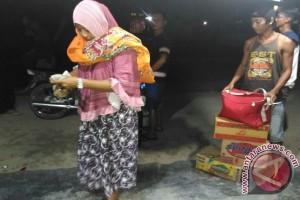 Ratusan warga Tolitoli mengungsi karena isu tsunami