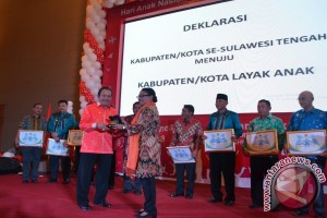 Menteri Yohana Deklarasikan 13 Kota Layak Anak