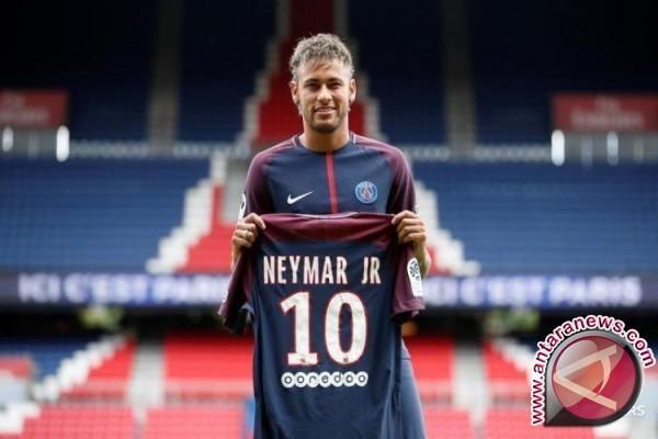 Neymar hanya nonton saat PSG tekuk Amiens