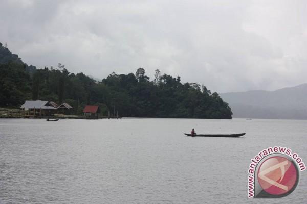 Danau Lindu Destinasi Wisata Menarik