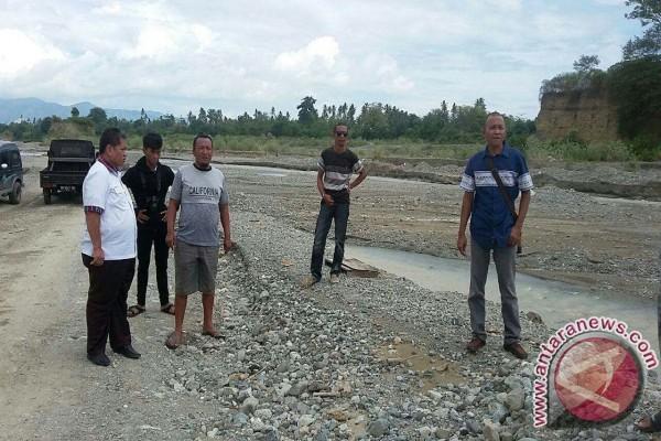 DPRD Sulteng Pantau Tambang Sirtu Di Donggala