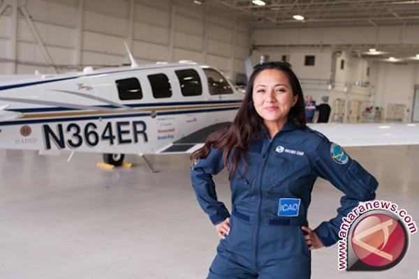 Perempuan pilot keturunan Afghanistan terbang menuju Bali