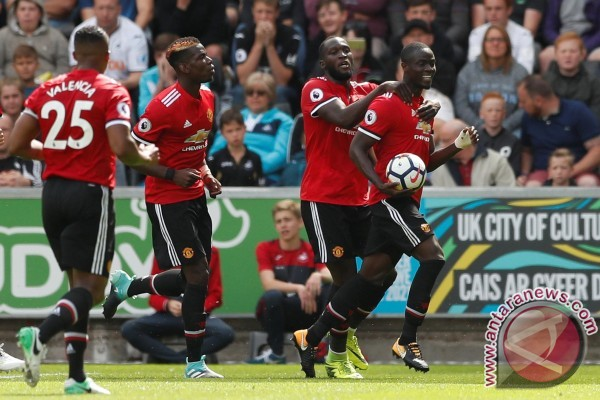MU bantai Swansea 4-0, cetak tiga gol dalam 10 menit akhir