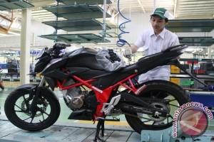 AHM perkenalkan warna baru eksklusif New Honda CB150R StreetFire