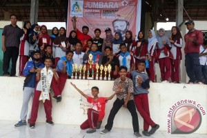 MTs Alkhairaat Pusat Juara Umum Jumbara PMR se-Kota Palu