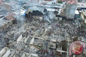 Ratusan Pedagang Pasar Masomba Kehilangan Dagangan