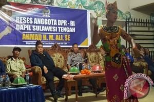 Warga Keluhkan Minimnya Infastruktur Ke Anggota DPR