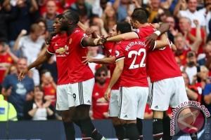 Manchester United  menang 2-0 atas  Bournemouth