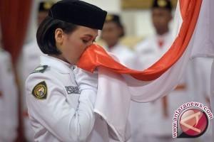 Bendera pusaka diarak dari Monas sampai Istana Merdeka