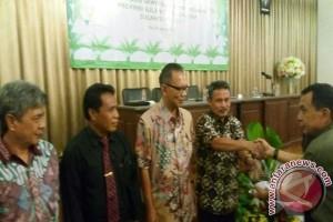Jurnalis Sulteng Ikuti Workshop Perkelapa-sawitan