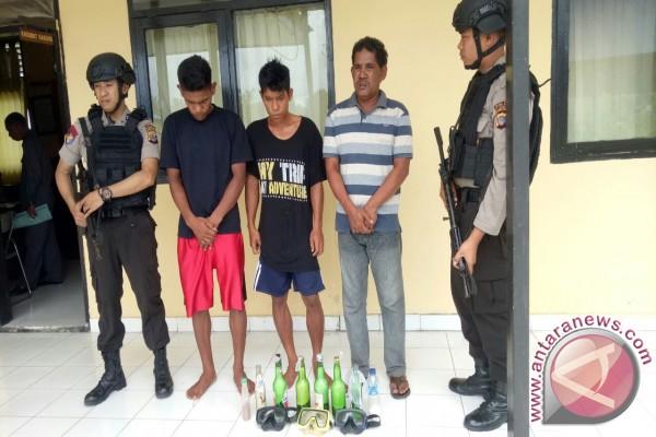 Petugas Tangkap Tiga Nelayan Pelaku Bom Ikan