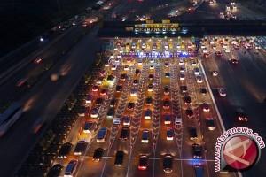 97.000 kendaraan diperkirakan lewat Tol Cikarang malam ini