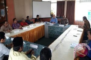 Lima Calon Rektor IAIN Palu Serahkan Visi Misi
