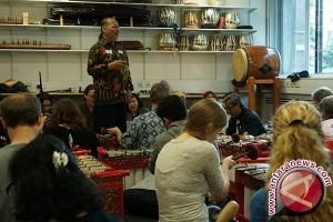 Warga Inggris antusias ikuti workshop gamelan di London