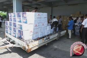 10 ton beras untuk Rohingya hingga empat wakil Indonesia di final bulu tangkis Korea