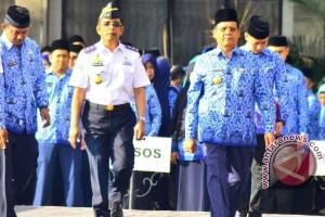 Gubernur Longki Djanggola pimpin upacara Harhubnas di Palu