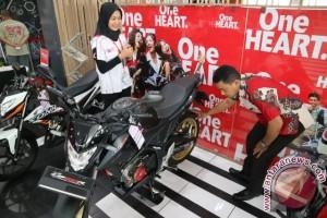 New Honda CB150R StreetFire Topang Penjualan Motor Sport Honda