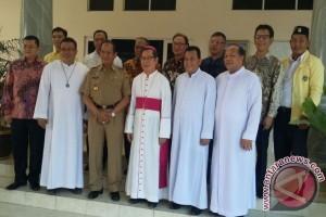 Gubernur Sulteng Terima Kunjungan Uskup Manado