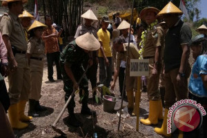Desa Kuku jadi 'Kampung Durian' di Poso