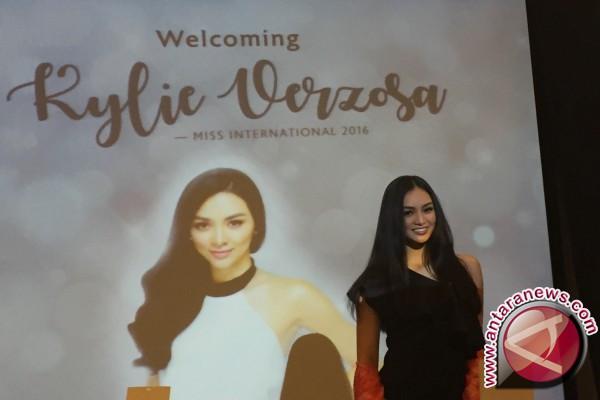 Miss International 2016 ingin pakai batik