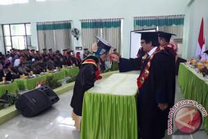 Gubernur Harap Alumni IAIN Palu Bina Masyarakat