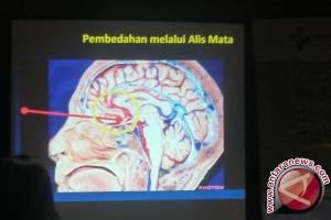 Operasi tumor otak kini bisa melalui alis mata