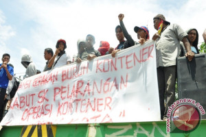 BURUH KONTAINER DEMO LAGI