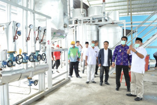 Sekprov Sulteng tinjau pabrik di KEK Palu