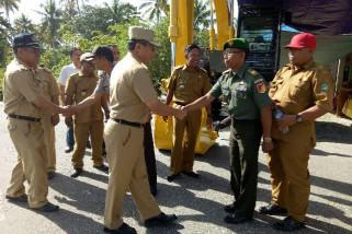 Petambak Poso terima bantuan excavator dari Menteri KP