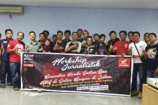 Komunitas Honda Palu, aktif di online santun di jalan