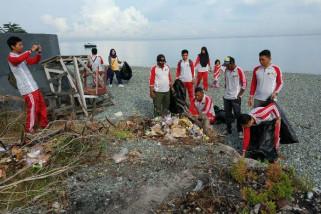 Pemuda Ampana dukung Indonesia Bebas Sampah 2020