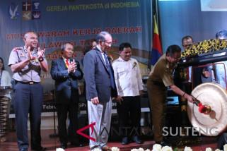 Gubernur: program gereja diharapkan sejalan dengan pemerintah
