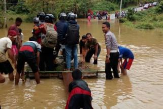 Trans Sulawesi Palu-Tolitoli putus akibat banjir, polisi siaga