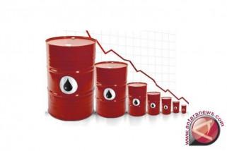Minyak turun karena dolar AS menguat ke tertinggi sepekan