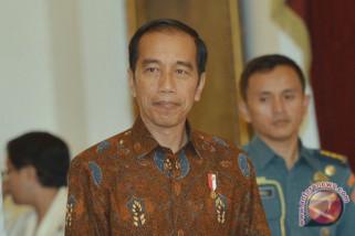 Presiden Jokowi minta Polri buang budaya koruptif