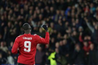 Dua gol Lukaku antar United ke perempat final Piala FA