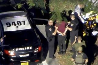 Penembakan di sekolah menengah Florida tewaskan 17 orang