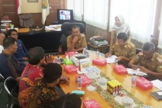 Wali Kota - REI bahas pengembangan Kota Palu