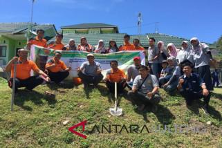 Alumni UGM Sulteng tanam pohon sambut hari Rimbawan