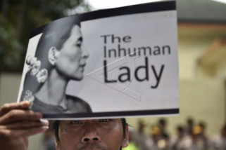 Peraih Nobel ultimatum Suu Kyi