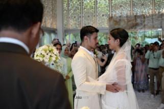 Chicco Jerikho dan aktris Putri Mariano resmi menikah