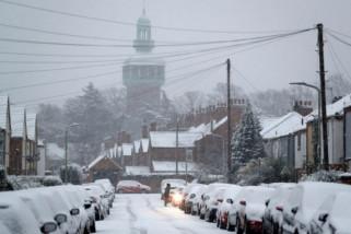 Sejumlah masjid di Inggris buka pintu untuk tunawisma di musim salju