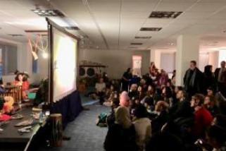 Wayang kluit Bali pukau penonton di London