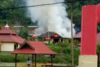 Rumah dinas Kapolres Morowali musnah terbakar