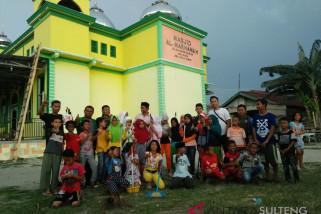 Ansor-DDI bersihkan masjid jelang ramadhan