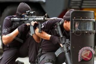 Polri tembak mati dua terduga teroris