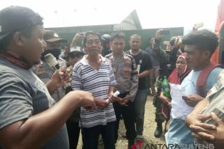 Masyarakat demo perusahaan milik WNA di Luwuk