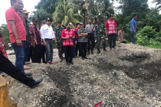 Bupati Banggai tinjau lokasi banjir di Toili