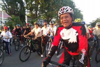 Polri-TNI di Sulteng makin mesra lewat 'Bhayangkara Fun Bike'