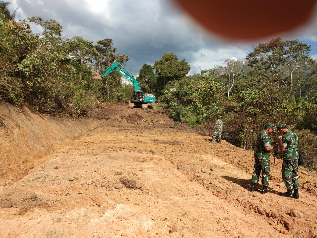 Masyarakat serahkan tanah untuk proyek TMMD 2018 di Poso